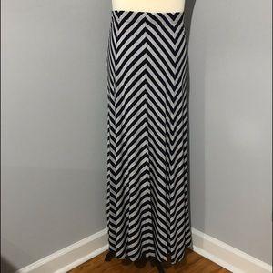 Jessica London Maxi Skirt sz 14/16